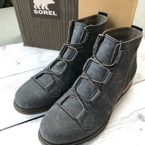 SOREL Major Lace Booties size 10